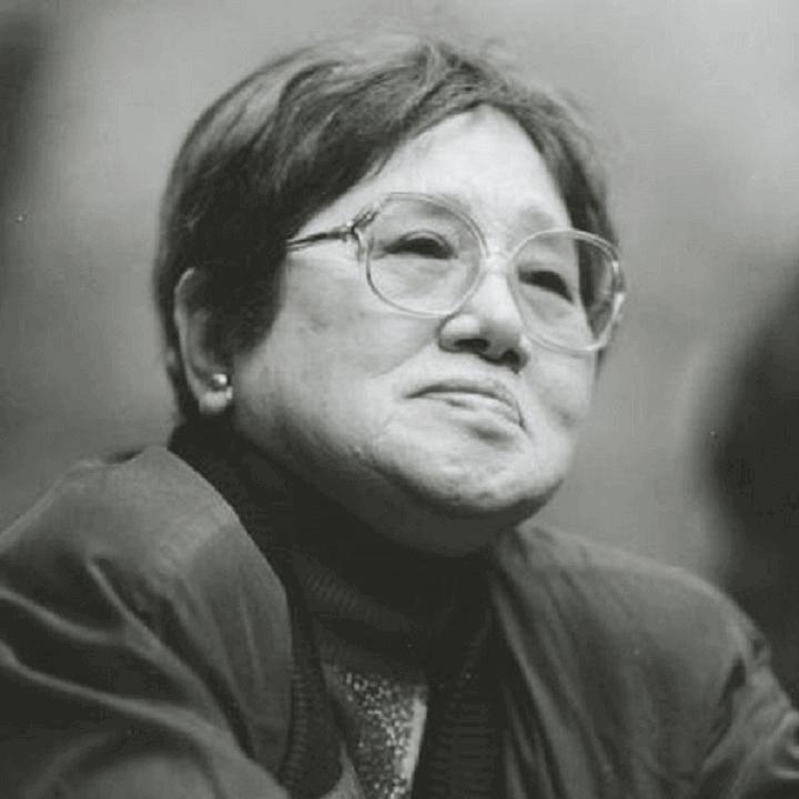 小説家 山崎豊子